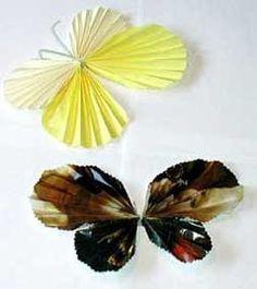Fjärilar av veckat papper