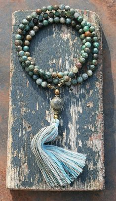 Mala necklace made of 108, 8 mm - 0,315 inch, very beautiful azurite gemstones and decorated with hematite and jade - look4treasures on Etsy