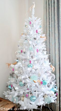 I have started to decorate my new white Christmas tree. With mini glass pinecones, Sequin bird and flocked baubles, Pearlised owls, Vintage Christmas tree decorations, Vintage inspired Christmas dec White Christmas Tree Decorations, Unique Christmas Trees, Christmas Mood, Very Merry Christmas, Holiday Tree, Pink Christmas, Christmas Tree Ornaments, Coastal Christmas, Christmas Colors