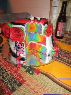 grateful dead cake. Someone please make this for my bday :)