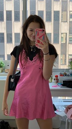 Pink dress, black t-shirt - ChicLadies. Indie Outfits, Trendy Outfits, Cool Outfits, Fashion Outfits, 2000s Fashion, Look Fashion, Aesthetic Fashion, Aesthetic Clothes, Aesthetic Outfit