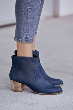 Loving these buttery soft navy leather ankle booties