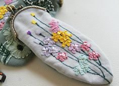 Antique glasses case eyeglass bag kiss lock hand embroidered
