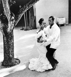 Eve ARNOLD :: Havana, Cuba, 1954. That stark white.