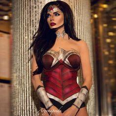 "2,282 харесвания, 20 коментара – Mehron Makeup Official (@mehronmakeup) в Instagram: ""No one slays Wonder Woman better than Mehron Boy Argenis Pinal!!! AMAZING #Repost @argenapeede ・・・…"""
