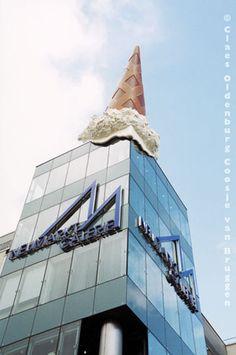 Dropped Cone, Claes Oldenburg & Coosje van Bruggen