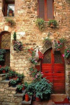 'Assisi Doorway' Perugia, Umbria, Italy (photo by Bart Edson) Cool Doors, Unique Doors, Door Knockers, Doorway, Windows And Doors, Red Doors, Stairways, Belle Photo, Beautiful Places