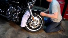 How to Install the Front Fender on a 2012 Harley Street Glide