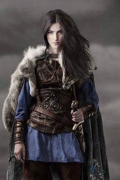 Amazing WTF Facts: High-Ranking Viking Warrior Long Assumed to Be Male Was Actually Female Warrior Girl, Fantasy Warrior, Warrior Princess, Female Viking Warrior, Female Warriors, Warriors Game, Warrior Women, Viking Woman, Viking Queen