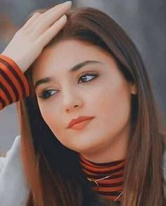 Cute Romantic Pictures, Cool Girl Pictures, Cute Couple Pictures, Turkish Women Beautiful, Turkish Beauty, Beautiful Girl Indian, Lovely Girl Image, Cute Girl Photo, Glamour Ladies