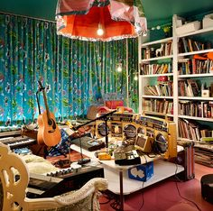 Behold the compound of the Flaming Lips frontman Wayne Coyne: four houses with connected backyards in Oklahoma City. Colourful Living Room, Cozy Living Rooms, Wayne Coyne, Music Studio Room, Recording Studio, Types Of Houses, Eclectic Style, House Music, Dream Rooms
