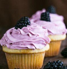 #cupcakes #yogurtcupcakes #greekyogurtcupcakes #fruitfrosting #blackberryfrosting Greek Yogurt Cupcakes, Greek Yogurt Recipes, Greek Yogurt Frosting, Blackberry Frosting Recipe, Frosting Recipes, Easy Desserts, Dessert Recipes, French Desserts, Cupcake Recipes For Kids
