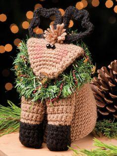 Crochet World Dec Baby Blitzen pattern by Debra Arch Crochet Crafts, Yarn Crafts, Crochet Toys, Crochet Baby, Crochet Projects, Free Crochet, Crochet Tutorials, Christmas Crochet Patterns, Christmas Knitting