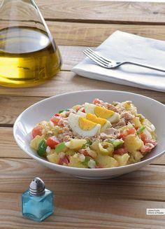 Ensalada campera: receta fácil imprescindible para el verano Vegetable Recipes, Vegetarian Recipes, Cooking Recipes, Healthy Recipes, Healthy Salads, Healthy Eating, Work Meals, Food L, Chicken Salad Recipes