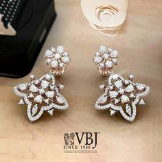 Buy Jewellery Online in India Tiffany Jewelry, Gold Jewelry, Jewelery, Fine Jewelry, Diamond Earrings Indian, Diamond Bracelets, Diamond Jewellery, Gold Earrings Designs, Jewellery Designs