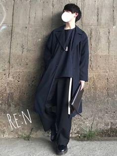 観に来てくれてありがとうございます😊 ゆるモード🌱 色味はネイビーとブラックでモードっぽく✨ 差 Love Fashion, Korean Fashion, Womens Fashion, Street Wear, Raincoat, Menswear, Urban, Stylish, How To Wear