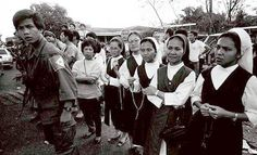 People Power Revolution Nuns | Nuns are among those who manned the barricades during the 1986 people ...