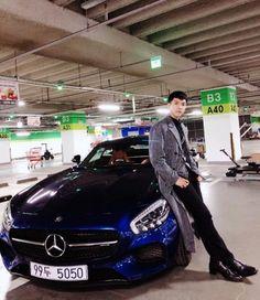 Lee Seung-gi Looking Sharp on Set