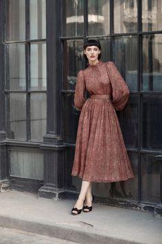 «Место встречи изменить нельзя»: лукбук Ulyana Sergeenko Demi-Couture Fall-Winter 2017/2018