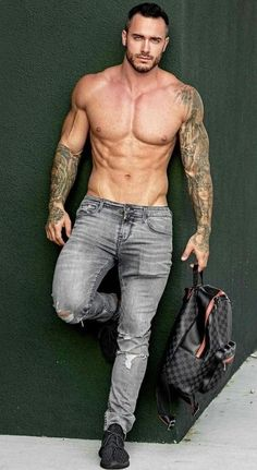 These are best of the best beard styles for men. Hot Men, Hot Guys Tattoos, Inked Men, Hommes Sexy, Hot Hunks, Muscular Men, Shirtless Men, Sexy Jeans, Beard Styles