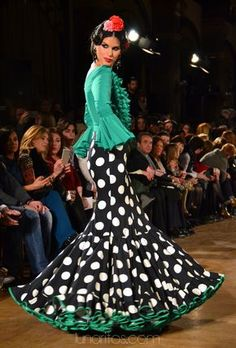 Flamenco Costume, Flamenco Dancers, Flamenco Dresses, Fashion Line, Fashion Looks, Spanish Dress, 2015 Fashion Trends, Spanish Fashion, Floor Length Gown