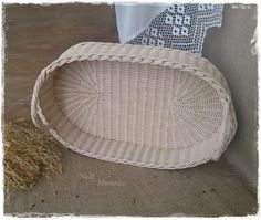 The wicker tray
