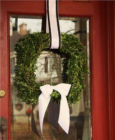 High Street Market: DIY Boxwood Wreath