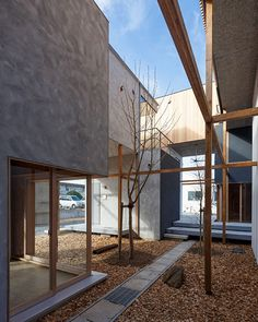 Image 3 of 46 from gallery of Dragon Court Village / Eureka. Photograph by Ookura Hideki Patio Interior, Interior And Exterior, Landscape Architecture, Interior Architecture, Japan Architecture, Outdoor Spaces, Dragon, Construction, House Design