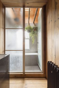 Crittal steel-framed glass doors in architect Simon Astridge's own London bathroom. - May 19 2019 at Interior Sliding Glass Doors, Masonite Interior Doors, Interior Barn Doors, Japanese Style Bathroom, Japanese Style House, Home Design, Küchen Design, Design Ideas, Japanese Door