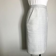 With the Agnes Skirt sewing pattern, you can sew a seriously professional pencil skirt. Sew a fully lined pencil skirt with back vent. Learn how to line a pencil skirt, how to sew lining to a skirt vent, and how to sew a bias bound waistband. Skirt Patterns Sewing, Skirt Sewing, Dress Skirt, Dress Up, Skirt Tutorial, Straight Skirt, Lining Fabric, Sewing Techniques, Diy Clothes