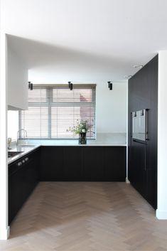 Modern Kitchen Design, Interior Design Kitchen, Black Kitchens, Home Kitchens, Kitchen Rules, Kitchen Decor, Küchen Design, House Design, Happy New Home