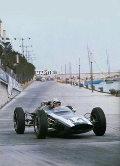 1962 Monaco GP, Monte Carlo : Bruce McLaren, Cooper-Climax T60 #14, Cooper Cars Co, Winner. (ph: Megadeluxe)
