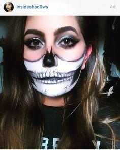 Skull Halloween make up