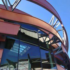 Halle des sports et stade Lyon 9 Halle, Lyon, Opera House, Fair Grounds, Building, Sports, Travel, Hs Sports, Viajes