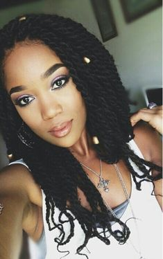 Havana twist hair styles are hip, cool, and ultra-chic. If you're looking for new Havana styles, Check out these 40 most beautiful Havana twist hair styles. My Hairstyle, Braided Hairstyles, Cool Hairstyles, Marley Twist Hairstyles, Dreadlock Hairstyles, Black Hairstyles, Protective Hairstyles, Kinky Twist Styles, Braid Hairstyles