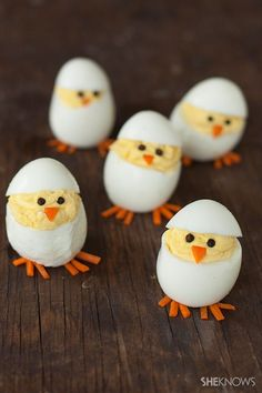Skip the plain old deviled eggs for these adorable hatching chicks. They're sure to be the hit of your Easter brunch Skip the plain old deviled eggs for these adorable hatching chicks. They're sure to be the hit of your Easter brunch Easter Lunch, Easter Eggs, Easter Food, Easter Recipes, Egg Recipes, Brunch Recipes, Pizza Recipes, Paleo Recipes, Appetizer Recipes