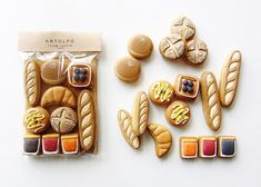 Culinary Artist Creates Cookie Masterpieces Inspired by Japanese Cultural Motifs - My Modern Met Fancy Cookies, Cute Cookies, Cupcake Cookies, Jam Cookies, Iced Sugar Cookies, Royal Icing Cookies, Iced Biscuits, Cookies Et Biscuits, Galletas Decoradas Royal Icing
