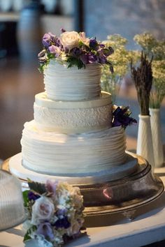 3 tier - 3 flavor cake - yumz!