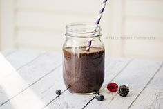 A triple berry green smoothie with kale cucumbers chia seeds and flax seeds. Easy Healthy Recipes, Real Food Recipes, Vegan Recipes, Juice Smoothie, Smoothies, Shake Recipes, Vegan Sweets, Cocktail Recipes, Chia Seeds