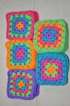Ravelry: Granny Squares pattern by Michael Harvey & Rae Compton Crochet Bedspread Pattern, Granny Square Crochet Pattern, Crochet Afghans, Crochet Squares, Crochet Granny, Crochet Blanket Patterns, Baby Blanket Crochet, Crochet Motif, Crochet Stitches
