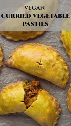 Curried vegetable pasties – vegan hand pies filled with curried vegetables and chickpeas, perfect for picnicking! Vegan Pies Savoury, Vegan Pastries, Savory Snacks, Vegan Dinner Recipes, Vegetarian Recipes, Cooking Recipes, Kitchen Recipes, Easy Cooking, Vegan Foods