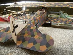 German abstract camouflage on a Fokker D. VIII biplane
