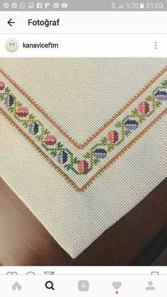 "Silvana Bastos Boaventura ""Sade ve guzel"", ""This post was discovered by Klá"" Cross Stitch Boarders, Just Cross Stitch, Simple Cross Stitch, Cross Stitch Flowers, Cross Stitch Charts, Cross Stitch Designs, Cross Stitching, Cross Stitch Embroidery, Embroidery Patterns"