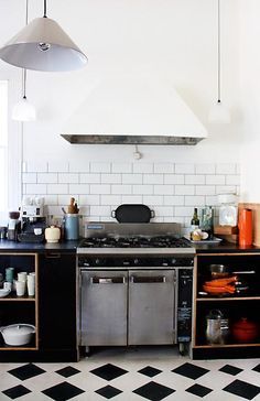 Painted white cooker hood