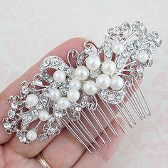 Crystals and pearls Bridal Hair Comb