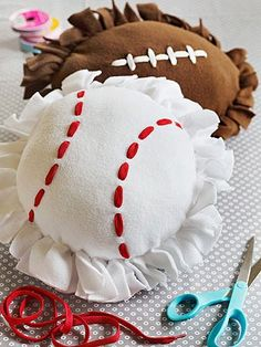 NO SEW -- Sporty Pillows - what a fun gift that kids can even make. making these for my kc rebels cheer girls end of season gift