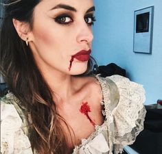 In the Halloween mood tonight with baby @dulceida and our Arrow Earrings Black ❤️ www.maria-pascual.com #mariapascual #mariapascualearrings #halloween #details #scary #igers #blogger #fashion #jewelry #joyas #joyitas