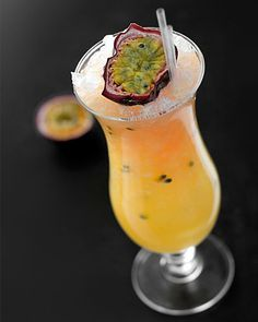 Leopard (no alcoholic) Passionsfrukt - Lime - Apelsin - recept Dinner Party Recipes, Appetizers For Party, Cocktail Recipes, Snack Recipes, Great Recipes, Cocktails, Alcoholic Punch, Non Alcoholic Drinks, Beverages
