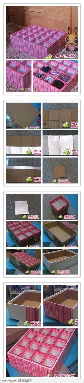 Rangement chaussettes à faire soi même : cartons + papier peint
