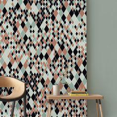 Anne Dérian est architecte de formation et mosaïste d'art  - pour version / Papier